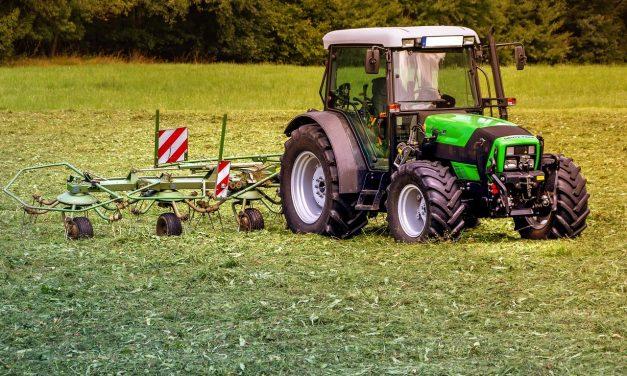 Comment réparer une fuite hydraulique dans un tracteur ?